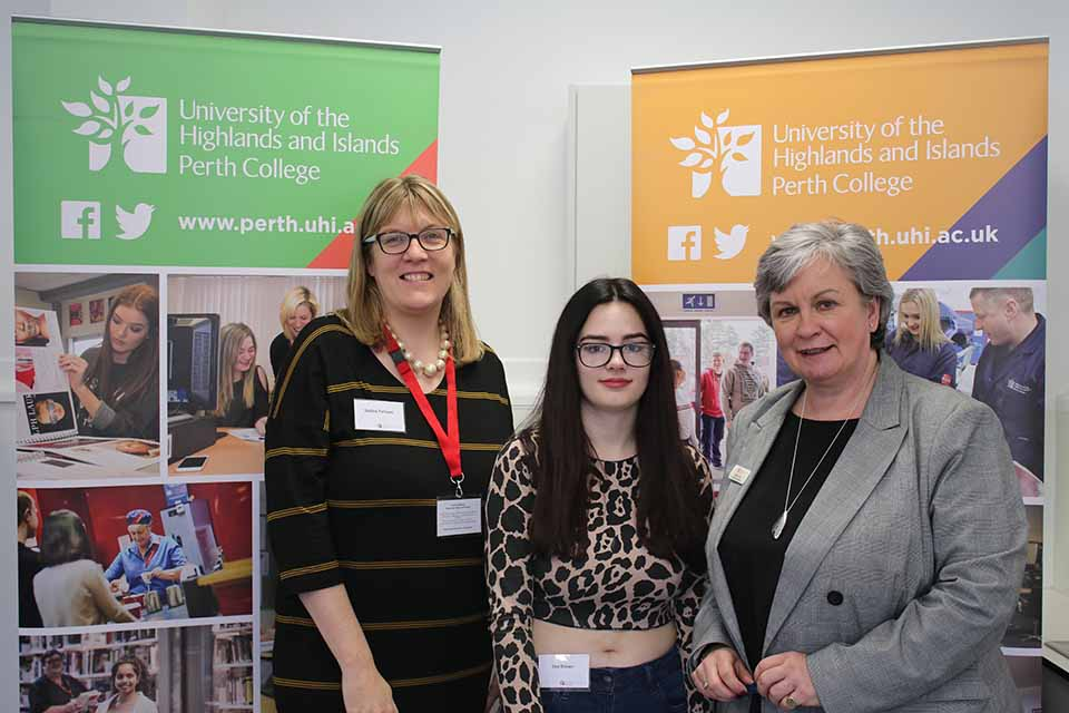 Students benefit from industry links